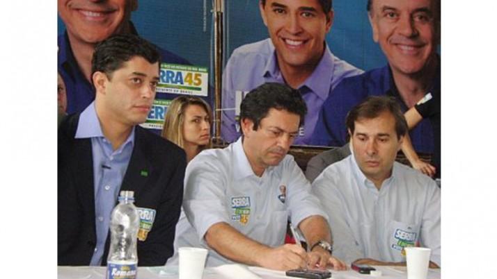 Coligação discute campanha de Serra no Rio