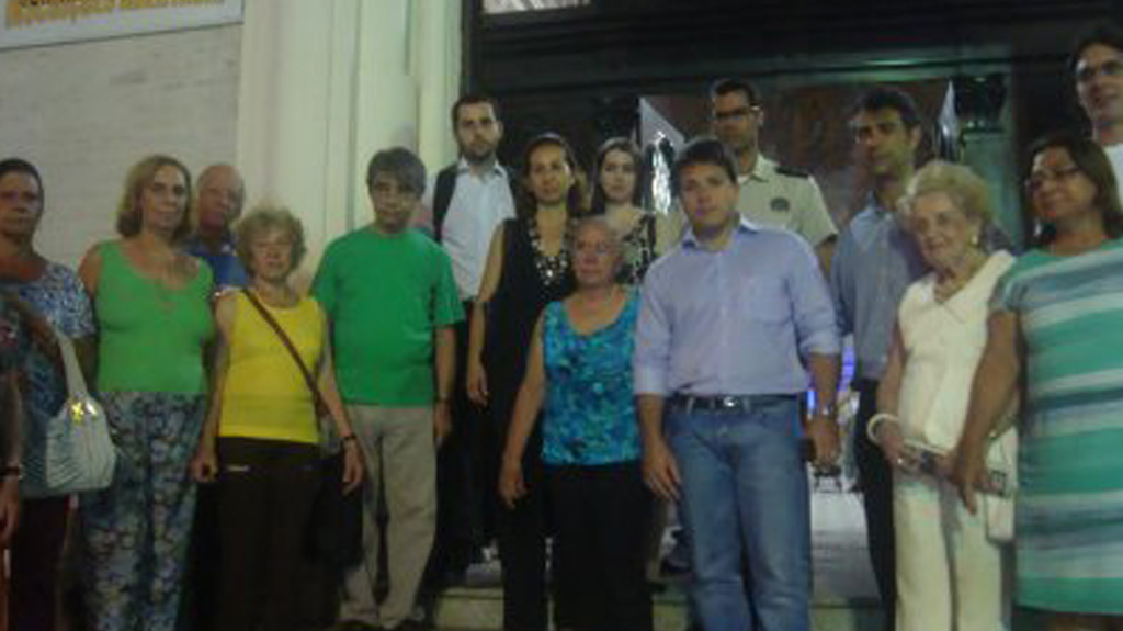 Caiado presta homenagem a ex-presidente da Amacopa