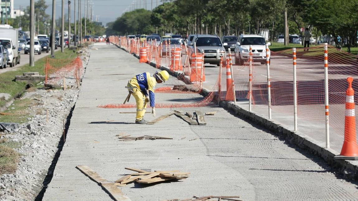 Caiado cobra terceira faixa para veículos nas Américas