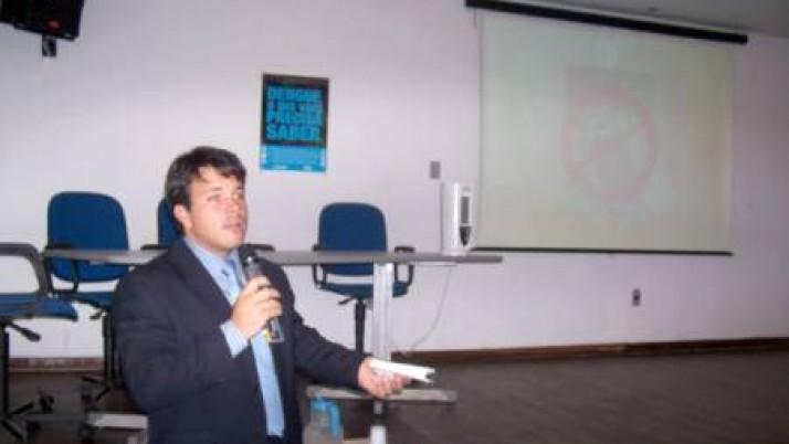Carlo Caiado preside audiência pública sobre combate à dengue no Recreio dos Bandeirantes