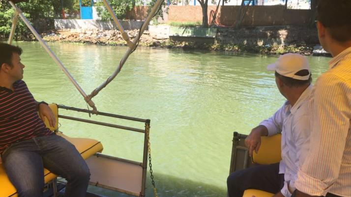 Um dos autores da lei que cria o transporte hidroviário, Caiado visita ilhas do complexo lagunar de Jacarepaguá e Barra