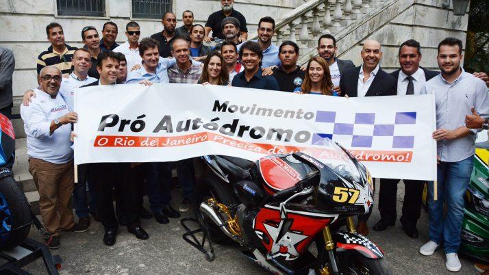 Prefeito dá pontapé inicial para a construção do novo autódromo do Rio