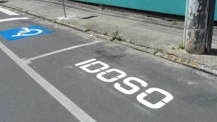 Vereador solicita aumento de vagas de estacionamentos para deficientes e idosos na Zona Sul