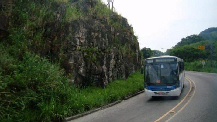 Caiado cobra retorno da linha de ônibus que atende aos moradores de Guaratiba.