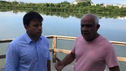 Caiado acompanha serviço de remoção da Gigogas da Lagoinha das Taxas