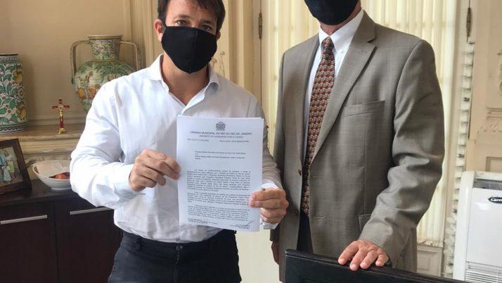 Caiado luta com moradores para chegada do Programa Segurança Presente à Urca
