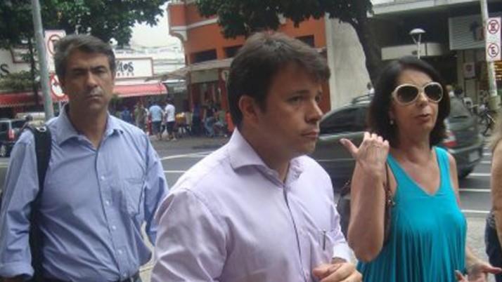 Vereador conversa com moradores de Ipanema sobre a Praça Nossa Senhora da Paz