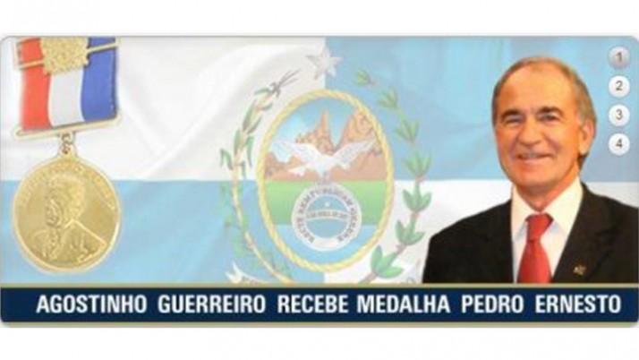Agostinho Guerreiro recebe conjunto de Medalhas Pedro Ernesto