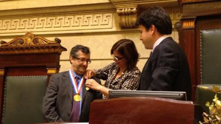 Vereador Caiado presta homenagem ao jornalista Marcus Miranda