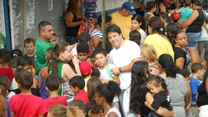 Vereador Carlo Caiado participa de festa em homenagem ao Dia das Crianças