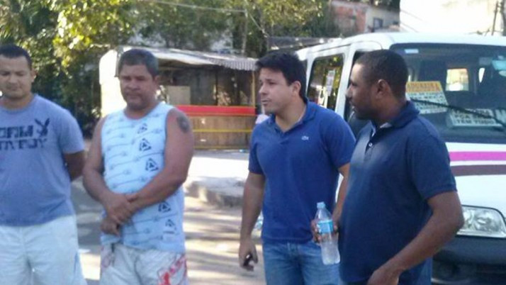 Vereador Carlo Caiado visita comunidades de Jacarepaguá