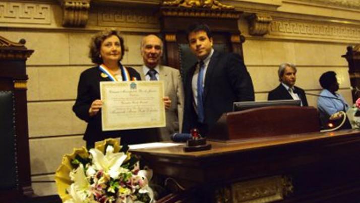 Médica Margareth Dalcolmo é homenageada com conjunto de medalhas Pedro Ernesto