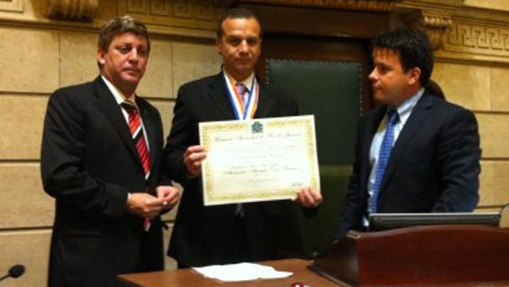 Vereador presta homenagem ao juiz Alexandre Abrahão