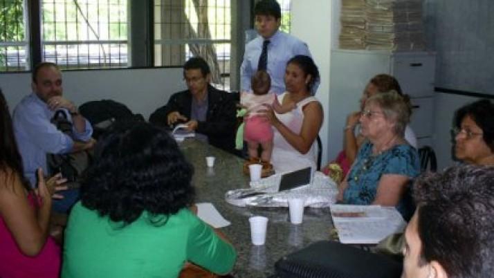 Caiado solicita Centro de Referência da Assistência Social em comunidade do Recreio