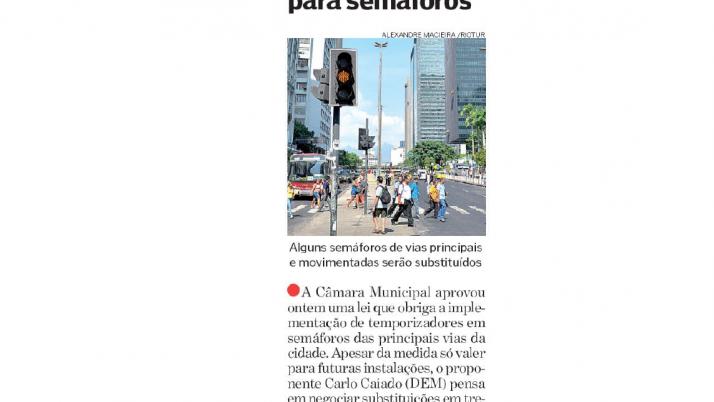 Destak: Projeto de Lei do Vereador Carlo Caiado que implementa temporizador nos semáforos é aprovado pela Câmara