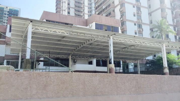 Escola Municipal Golda Meir recebe melhorias na quadra de esporte
