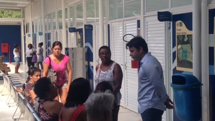 Caiado visita Clínica da Família , na Praia da Brisa, em Guaratiba