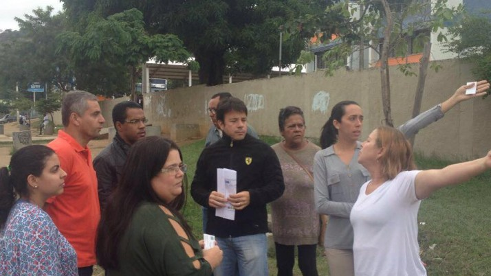 Em visita a escolas, em Guaratiba, Caiado houve demandas de pais e professores