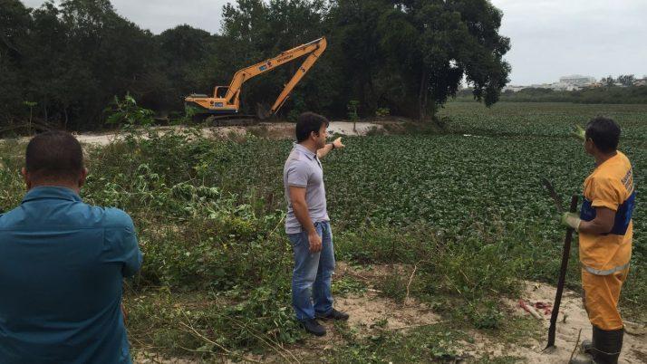 Caiado solicita à Rio Águas limpeza permanente dos canais e lagoas da região do Recreio
