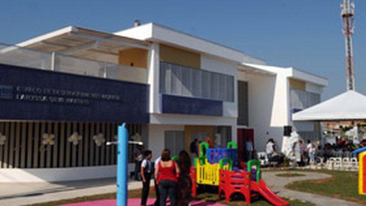 Mais unidade escolar para Santa Cruz