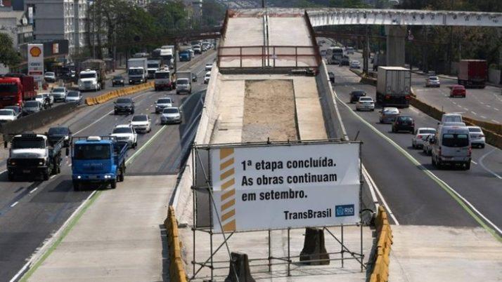 Caiado solicita análise técnica do TCM em obras paralisadas na Cidade