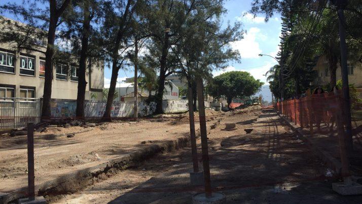 Pela reabertura da Rua Zelio Valverde!