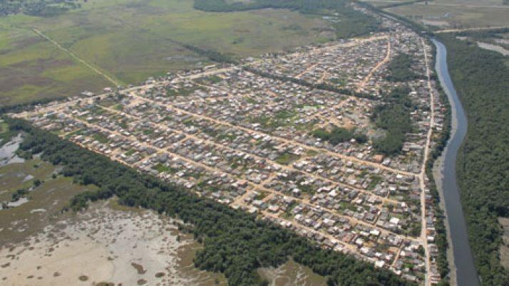 Vereador cobra conclusão de obras na Comunidade Piraquê.