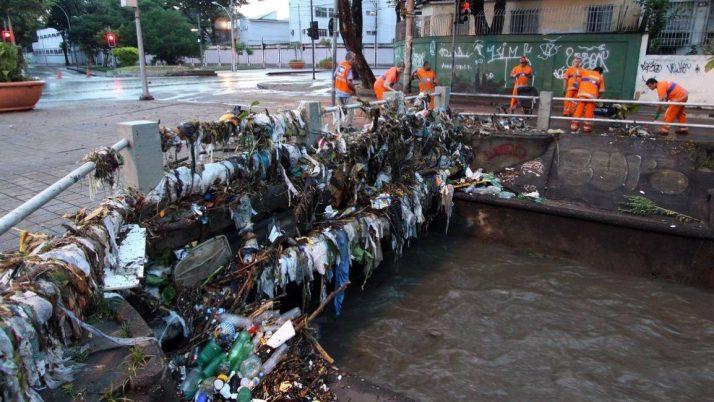 Câmara aprova penalidades mais duras para quem despeja lixo inadequadamente