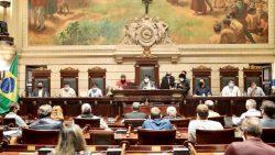 Proteção da orla com recifes artificiais é tema de debate público na Câmara do Rio